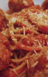 Sunday Supper: Spaghetti with Turkey-Pesto Meatballs
