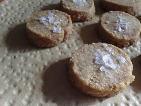 121117 salty cashew shortbread close