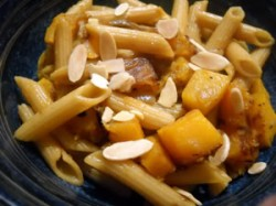 Pasta with Spiced Butternut Squash and Almonds (Weight Watchers PointsPlus)