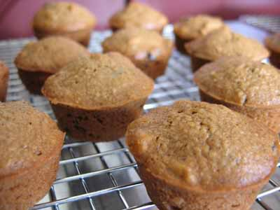 Five Points Applesauce Muffins: Fa-Bu-Lous