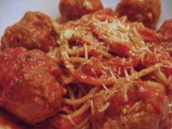 Sunday Supper: Spaghetti with Turkey-Pesto Meatballs