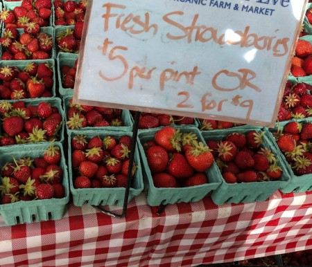130617 farmers market strawberries
