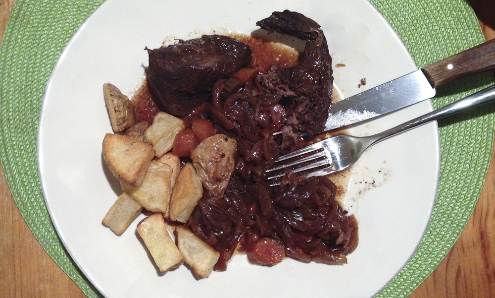 You are currently viewing Easy, Melt-in-Your-Mouth Slow Cooker Pot Roast