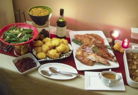 a healthy thanksgiving spread