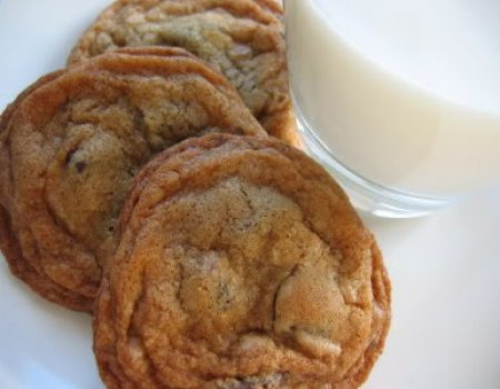 copycat recipe for City Bakery's chocolate chip cookies: chewy inside, crunchy edges, buttery toffee flavor
